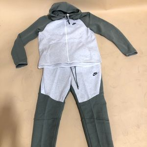 Nike Tech Fleece Set